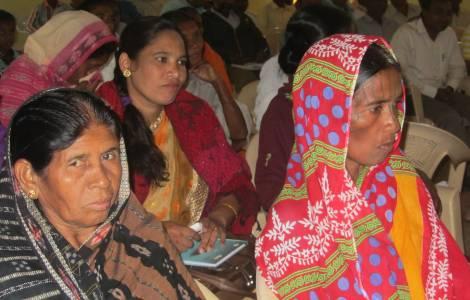 Os sobreviventes dos massacres em Orissa