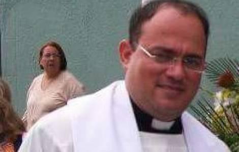 Padre Darwin Antonio Zambrano Gamez