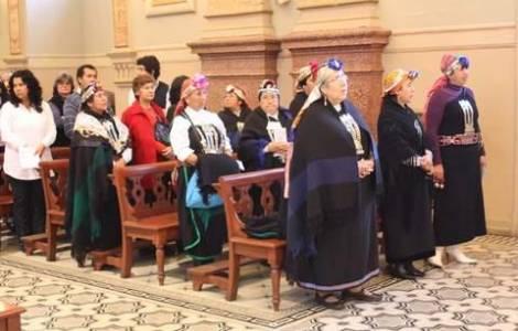Mapuche a messa