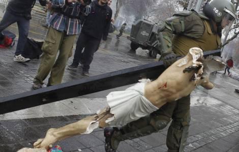 Manifestazione in Cile, atto sacrilego