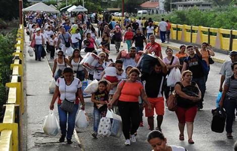 35 mil venezuelanos na fronteira