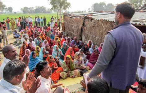 Resultado de imagen para personas de la india predicando el evangelio