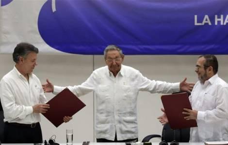 26 septembre, signature des Accords de paix