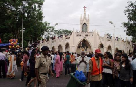 ASIA/INDIA - Catholic and Hindu students on a pilgrimage to