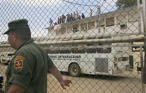 I Vescovi denunciano: si stanno violando i diritti fondamentali dei detenuti