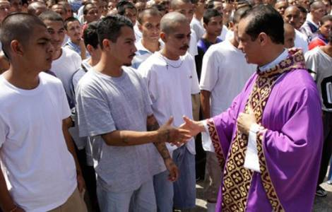 Célébration religieuse en prison