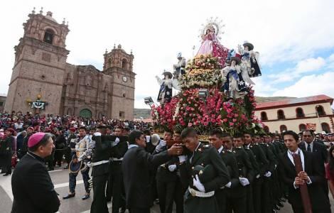 Fête de la Chandeleur à Puno (Pérou)