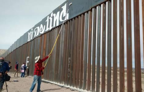 Muro situado no confim entre Juarez e El Paso