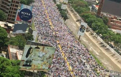 """Pour les Evêques, """"la protestation civile et pacif"""