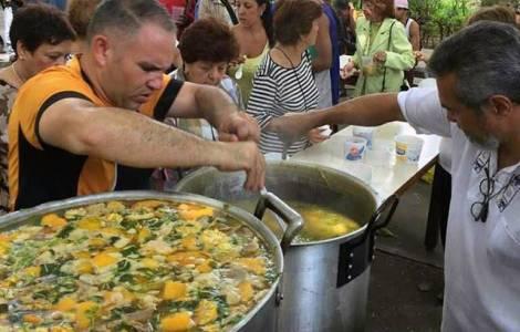A população morre de fome, Caritas Caracas respond