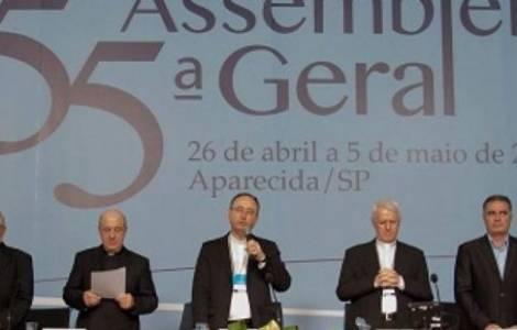 """Assemblea dei Vescovi: """"Urgente riprendere il cammino dell'etica per ricostruire il tessuto sociale"""""""
