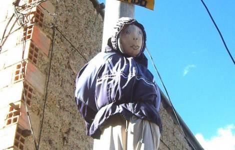"""Mons. Gualberti: """"Basta con i linciaggi, non sono degni di un popolo come la Bolivia"""""""