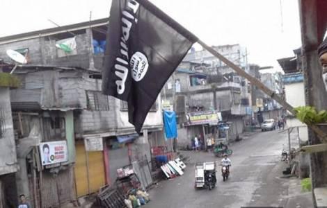 A bandeira do Estado Islâmico içada em  Marawi