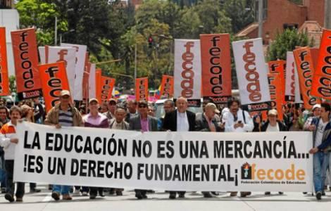 """Insegnanti scioperano da un mese: """"E' ora di ascoltarsi"""" chiedono ai Vescovi"""