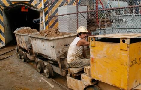 """""""L'attività mineraria lascia solo acqua e campi contaminati"""" denuncia Mons. Paz"""