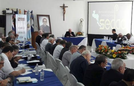 Evangelizar bajo la guía de Mons. Oscar Romero