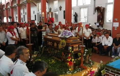 """El padre Walter, el sacerdote asesinado, es el """"gr"""
