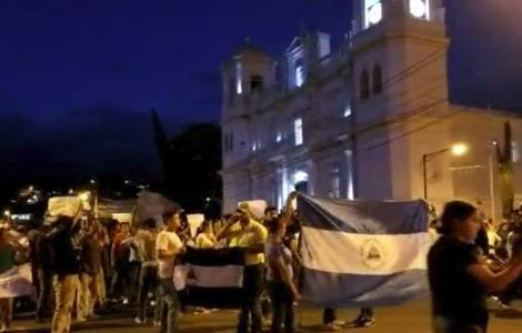 """Riforma della Previdenza: scoppia la protesta di piazza, la Chiesa dice """"No"""" alla repressione"""