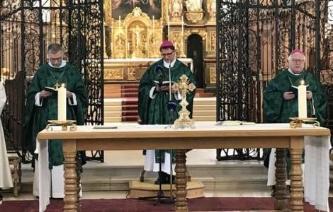 Risultati immagini per Il peso del clero nelle religioni...